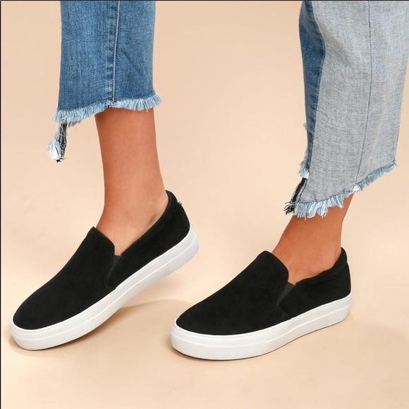 0c0e3244b0a Steve Madden Gills Platform Black Suede Sneakers 9.  M 5af233b345b30c9409cc1b65